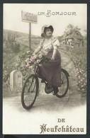 +++ CPA - A/A - Carte Fantaisie - Un Bonjour De NEUFCHATEAU - Femme - Vélo  // - Neufchâteau