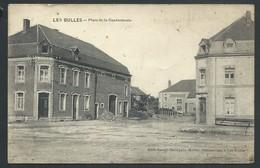 +++ CPA - A/A - Chiny - LES BULLES - Place De La Gendarmerie - Café   // - Chiny