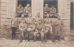 CARTE PHOTO DE SOLDATS OFFICIER EN 1916 - Personnages
