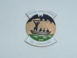 Pin's RIVIERE SOUTERRAINE DE LABOUICHE - Cities