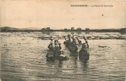 TANANARIVE LA PECHE DE TANDROHO - Madagaskar
