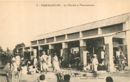 MADAGASCAR  LE MARCHE A MAEVATANANA - Madagaskar