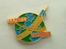 PIN'S LA POSTE - OISSEL - Mail Services