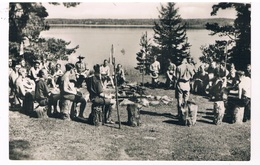 SC-1811   SWEDISH SCOUTS Sitting At The Fireplace - Scoutisme