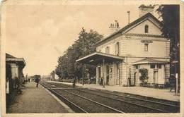 CPA 33 Gironde St Saint Loubes La Gare Train Voies Chemin De Fer - Sonstige Gemeinden