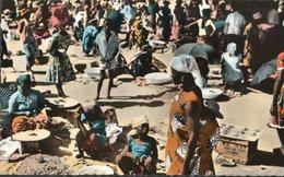 CARTE POSTALE D AFRIQUE - BANGUI - 3513 LE MARCHE CENTRAL - Centrafricaine (République)