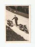 FO--00144-- FOTO ORIGINALE - MOTO GUZZI - VESPA - MECCANICO - Altri