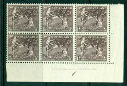 New Zealand 1956 1½d Health Apple Tree Purple Sepia Imprint Plate Block 6 MH/MUH Lot25789 - Ungebraucht