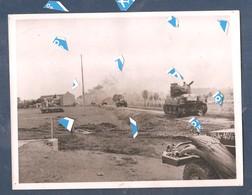 Photo 1940 1945 Char Tank US 1944 Sur La Route Villance-Libin ? ( Sur Le Dos American Tanks Enter Town Of Gelin) - Libin