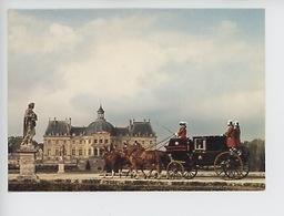 Chevaux & Coupé De Gala Vers 1830 Par Ehrler à Paris (Maincy) Château De Vaux Le Vicomte Les équipages (cp Vierge) - Taxi & Carrozzelle