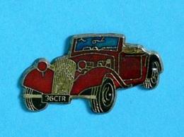 1 PIN'S  //  ** CITROËN / TRACTION AVANT / CABRIOLET 15 ** - Citroën