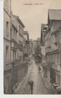 C. P. A. - LISIEUX - VIEILLE RUE - 5 - ANIMÉE - PÂTISSERIE - CONFISERIE - - Lisieux