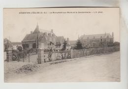 CPSM ARGENTON L'EGLISE (Deux Sèvres) - Le Monument Aux Morts Et La Gendarmerie - Francia