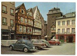 CPM   LINZ  AM RHEIN            BURGPLATZ         LA PLACE DU CHATEAU      VOITURES - Linz A. Rhein