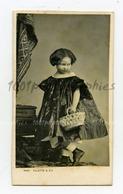 CDV E. Villette Photographie, Paris. Magnifique Portrait De Jeanne De Bourdeille. - Photos