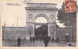 MILITARIA Casernes - 17 - ROCHEFORT SUR MER : Porte De LArsenal - CPA - Charente Maritime ( Caserne ) - Casernes