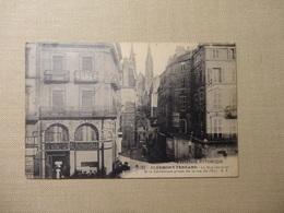 Clermont - Ferrand  - La Rue Des Gras Et La Cathédrale Prises De La Rue De I''Ecu (5561) - Clermont Ferrand