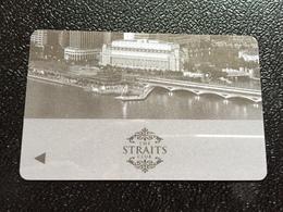 Hotelkarte Room Key Keycard Clef De Hotel Tarjeta Hotel  THE FULLERTON SINGAPORE THE STRAITS CLUB - Phonecards