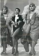 "CPA / PHOTO DE PRESSE ""ZIZI JEANMAIRE, 1974"" - Cabarets"