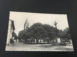 5426 - Vues De L'Ardeche - ROSIERES Place De L'Eglise - 1958 Timbrée - Francia
