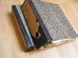 Lot Vieux Papiers - 2 Classeurs Avec Factures+ Divers - Environ 3 Kg - Old Paper