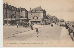 C. P. A. - LANGRUNE - LE GRAND HOTEL ET LA RUE DE LA MER - L. L. - 3 - ANIMÉE - Riva Bella