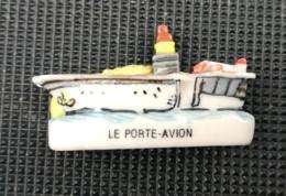 BATEAU LE PORTE-AVION - FEVE BRILLANTE - - Charms
