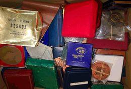 (1960ca). Interesante Conjunto Con Numerosas Medallas Y Premios De Exposiciones Filatélicas Del Insigne Coleccionista Do - Spain