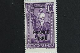 TIMBRE MADAGASCAR ANCIENNE COLONIE FRANCAISE  GAL GALLIENI 1F60  Violet Y&T 250** FRANCE LIBRE - Madagascar (1889-1960)