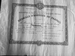 DIPLOME MINISTERE DU TRAVAIL MEDAILLE D'HONNEUR DU TRAVAIL 1959 - Diploma & School Reports