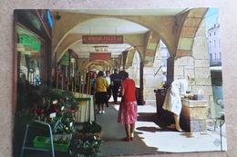 METZ - Les Arcades De La Place Saint Louis - Boutique, Magasin ( 57 Moselle ) - Metz