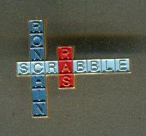 Pin's - SCRABBLE Jeux De Société - Jeux