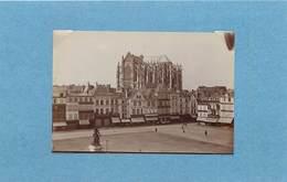 BEAUVAIS - La Place Jeanne Hachette,la Cathédrale, Vers 1900 (photo Format 8,8cm X 6cm) - Places