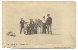 33-MONTALIVET-LES-BAINS-Le Marchand D'Oublies... Animé (carte Défectueuse Mais RARE) - Other Municipalities