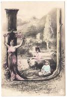 """CPA Alphabet Carte, Femme Et Enfants Lettre """" U """", Ungel. - Fantaisies"""