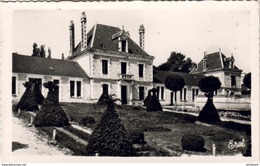 D24  RIBERAC L'Ecole Des Filles Et Le Square A.Pinassaud - Riberac