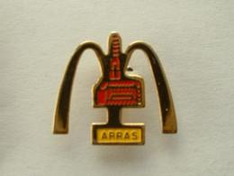 PIN'S MC DONALD'S - ARRAS - CARTOUCHE JAUNE - McDonald's