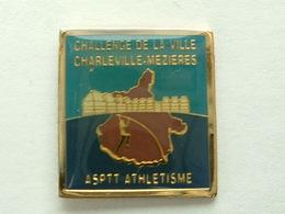 Pin's LA POSTE   - ASPTT ATHLETISME CHALLENGE DE LA VILLE CHARLEVILLE MEZIERES - Mail Services