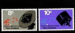NEW ZEALAND - 1971  EARTH SATELLITE STATION  SET  MINT NH - Nuova Zelanda