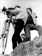 PHOTO ORIGINALE  FILM LA TREVE AVEC  DANIEL GELIN CHARLES DENNER  VIRGINIE VIGNON 24 X 18 CM - Photos