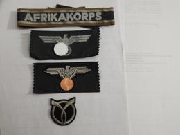 REPLIQUES  D'insignes Tissus De La Seconde Guerre Mondiale. - Hueste