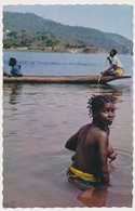AFRICA, Young Bathing Girl,bare Breasts, Jeune Fille Nue Au Bain Old Photo Postcard - Ethniques & Cultures