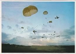 TRANSALL C.160. Largage De Parachutistes Au Crépuscule - Paracadutismo