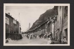 CPSM Pf . Dépt.73. MONTMÉLIAN . Grande Rue Et Sortie De Ville . - Montmelian