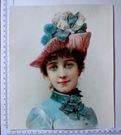 CHROMO LITHOGRAPHIE GRAND FORMAT.. H . 23.5 Cm........FEMME AU CHAPEAU....ROSE ET TURQUOISE - Old Paper