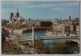 PARIS - CATHEDRALE NOTRE-DAME - STATUE DE SAINTE-GENEVIEVE  - Vg F2 - Notre Dame De Paris