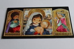Carte Brodee  Carte Pliante   Religion Mages Brodes  Apportant Des Offrandes - Brodées