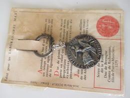 Porte Clé Ancien Sceau De Jean 1er Duc De Bretagne Laboratoires  Médicaux Maxi Paris - Key-rings