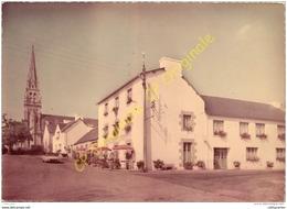 22. SAINT GILLES VIEUX MARCHE . Hotel Des Touristes .  Nevo Bihan . - Saint-Gilles-Vieux-Marché