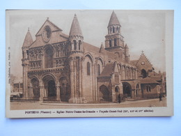 """CPA """"Poitiers - Eglise Notre Dame La Grande - Façade Ouest Sud"""" - Poitiers"""